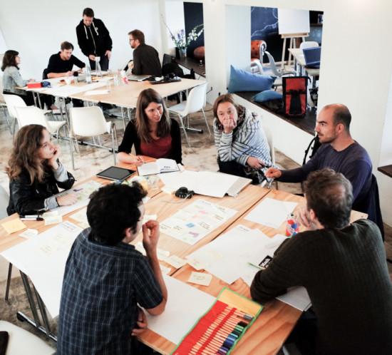 Team und Mentoren, DOK Hackathon Berlin, 3. Oktober 2014 Photo credit: Marco del Pra' / Hackathon